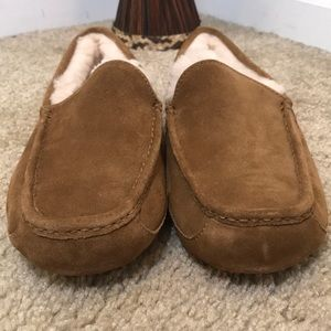 🆕 Ugg Slippers
